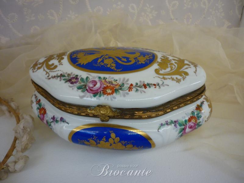 Vintage Franse hand beschilderde juwelendoos Pillivuyt - 21 cm breed