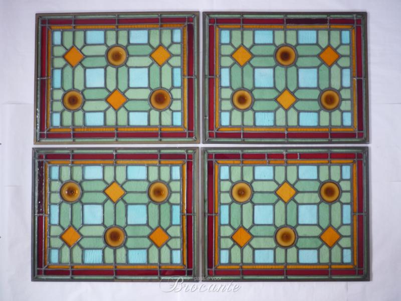 Set (4) raampjes glas in lood