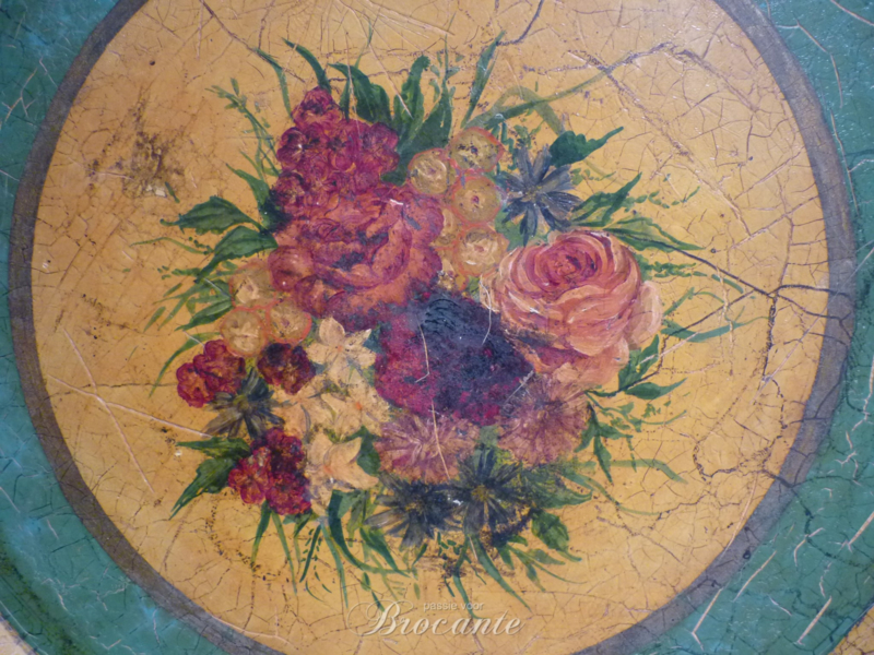 Victoriaanse dienbord met bloemdecor in papier maché
