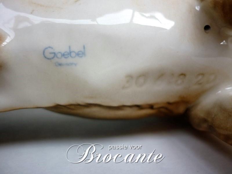 Duitse herder,  vintage porselein beeld Goebel Germany