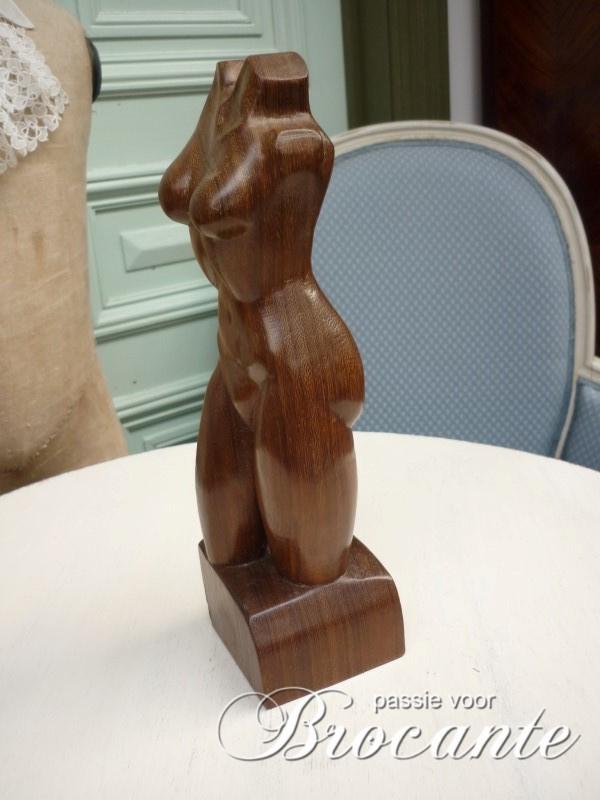 Houten sculpture Byn W
