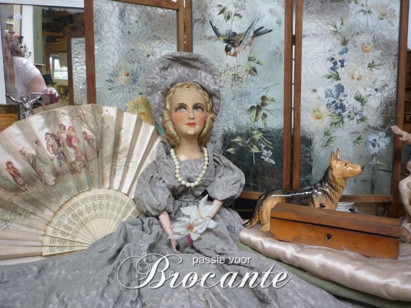 Antiek Franse boudoire pop, sofa doll