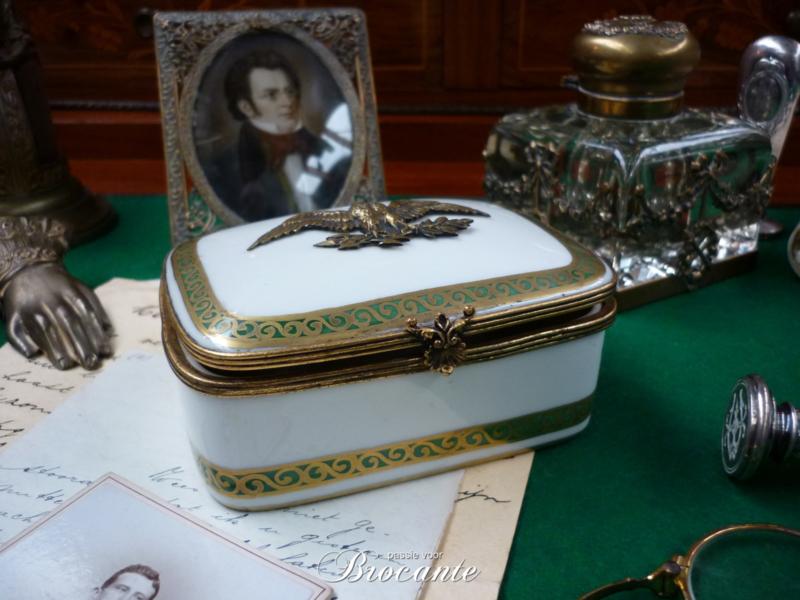 Empire juwelendoosje in Limoges porselein