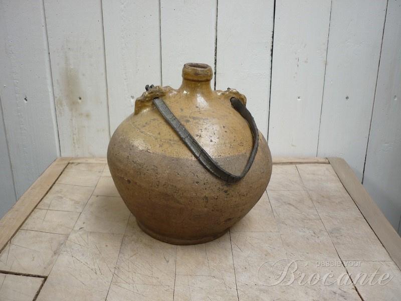 Zeer mooie antieke gourde of veldfles in aardewerk