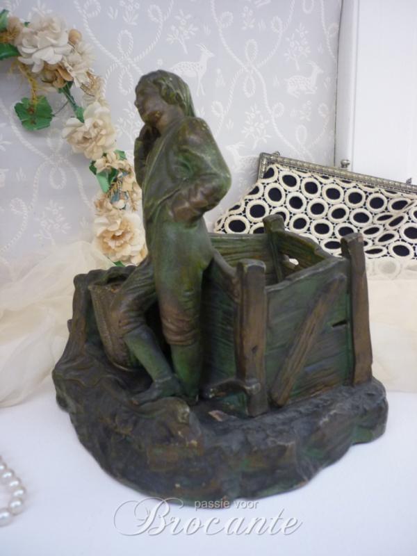 Brocante rookstel in terracotta, jongen met hondje