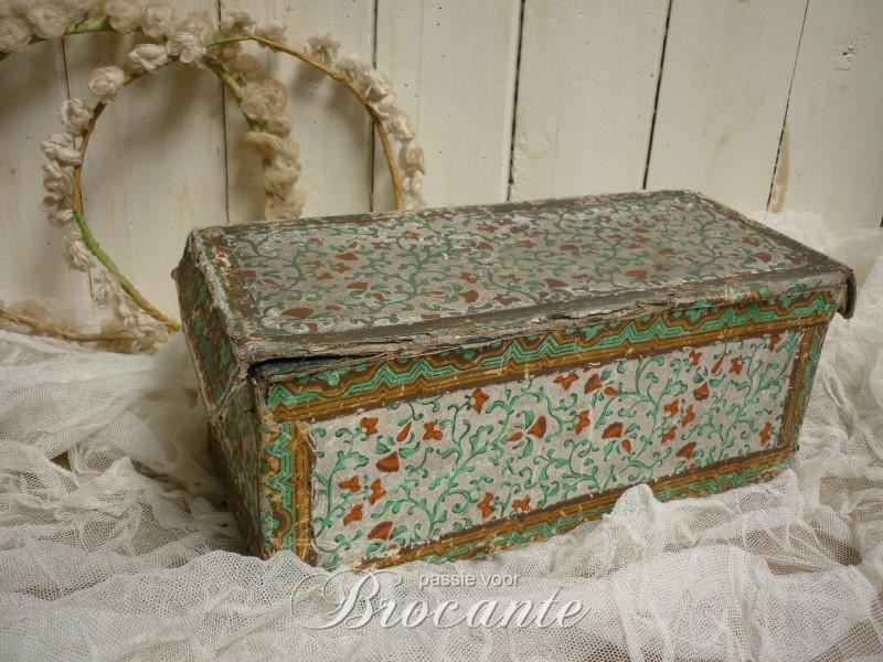 Prachtige oude kartonnen doos
