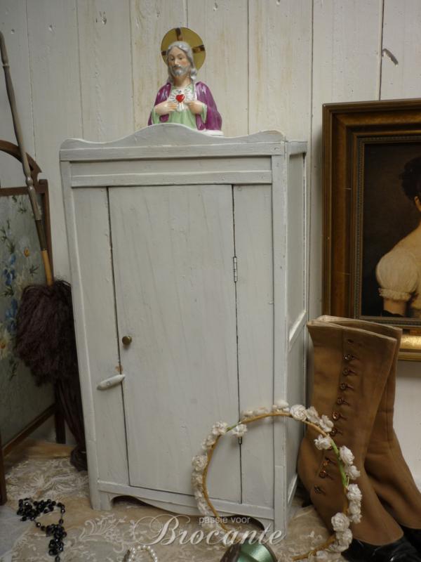 Oud wit geverfd poppen kleerkastje in originele verf