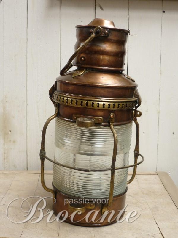 Prachtige antieke scheepslantaarn / ankerlicht