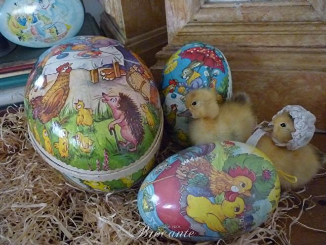 Vintage Paas decoratie, vuleitjes, vintage paaseieren, kuikens