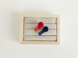 Setje pompon haarspeldjes rood-blauw