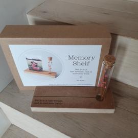 Memory shelf met droogbloem - Wat je in je hart bewaart, raak je nooit meer kwijt