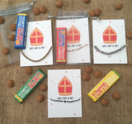Sieradenkaartje Sinterklaas + armbandje + reep Tony Chocolonely reep