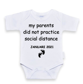 Rompertje  Wit | my parents did not practice social distance