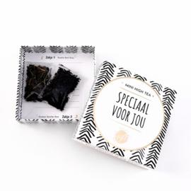 Kaart en cadeau in een luxe doosje | Mini high tea - Speciaal voor jou