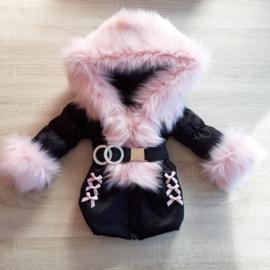 Zwarte Winterjas met grote bontkraag | Strikjes V5