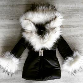 GEEN RETOUR  DAMES |  Zwarte Winterjas met grote  bontkraag | Strikjes  D5