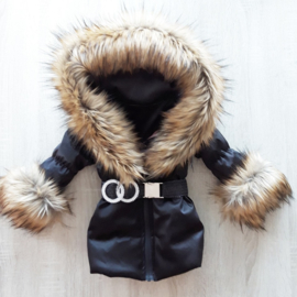 GEEN RETOUR  DAMES |  Zwarte Winterjas met grote  bontkraag | D1