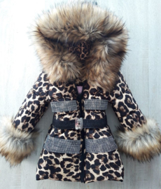GEEN RETOUR |  Zwarte Winterjas met grote  bontkraag