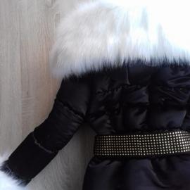 Zwarte Winterjas met grote bontkraag |  Steentjes