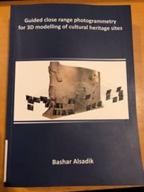 Guided close range photogrammetry for 3D modelling of cultural heritage sites