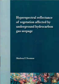 Hyperspectral reflectance of vegetation affected by underground hydrocarbon gas seepage