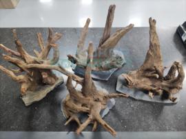 Scapers wood/ hout op leisteen plaat