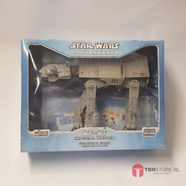Star Wars Miniatures Colossal Pack  AT-AT Walker