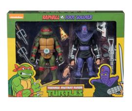 Teenage Mutant Ninja Turtles Action Figure 2-Pack Raphael vs Foot Soldier 18 cm