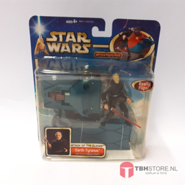Star Wars Attack of the Clones Darth Tyranus with Force-Flipping Attack