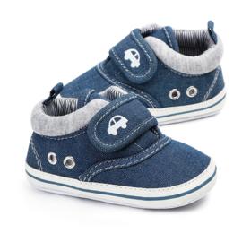 Blauwe schoentjes met jeans look