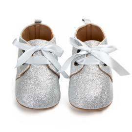 Zilveren babyschoenen