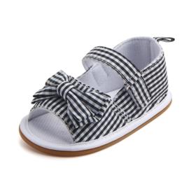 Zwart wit geblokte sandalen