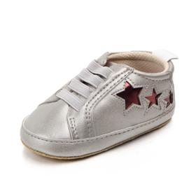 Zilveren sneakers met rode sterren
