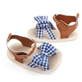 Bruine sandalen met blauwe strik