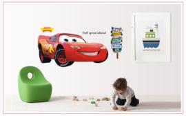 Muursticker van Cars met Bliksem McQeen 110 x 50cm