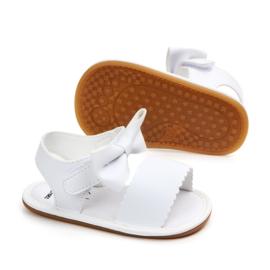 Witte sandalen met klittenband