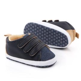 Zwart met jeansblauwe schoentjes