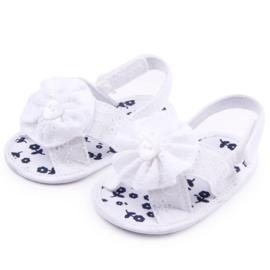 Witte sandalen met borduursel