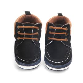 Zwarte schoentjes met veters