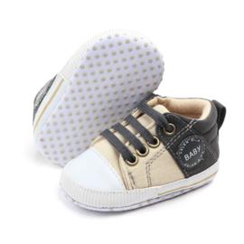 Beige met grijze schoenen