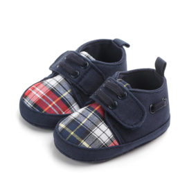 Donker blauwe schoenen