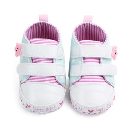 Blauw met wit en roze gympen