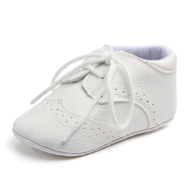 Witte leren schoenen