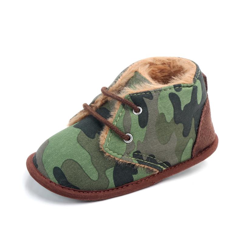Legergroene  gewatteerde schoenen