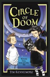 Circle Of Doom (Tim Kennemore) Paperback / softback
