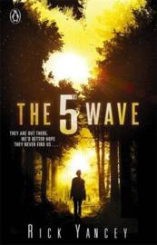 The 5th Wave (book 1) (Rick Yancey)