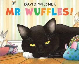 Mr Wuffles! (David Wiesner) Paperback / softback