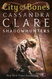 The Mortal Instruments 1: City Of Bones (Cassandra Clare)