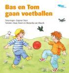 Bas en Tom gaan voetballen (Klaas Hoorn)