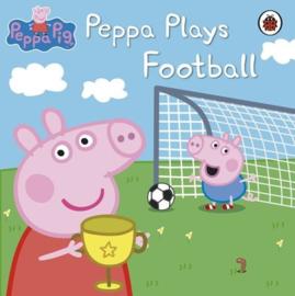Peppa Pig: Peppa Plays Football